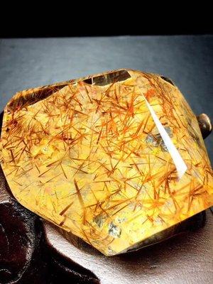 極品鈦晶芽原石擺件 祼石重153克,尺寸65..35..