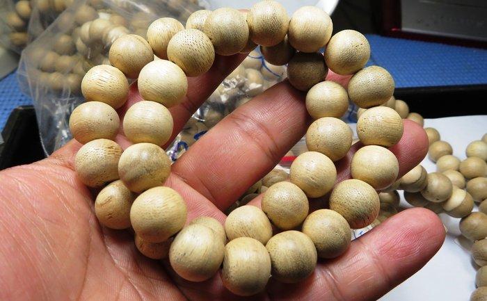 買一送一、1R1印尼加里曼丹高油淡香型沉香 手珠約13mm