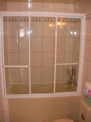 ☆特優惠☆7000完工  乾濕分離  淋浴門 淋浴拉門 浴缸上型 白框強化玻離 一字三門