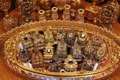 【家與收藏】賠售特價稀有珍藏歐洲古典法國精緻華麗銅金鏤空浮雕袖珍香水瓶5