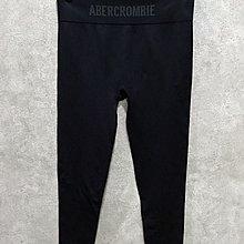 Maple麋鹿小舖 Abercrombie&Fitch * AF 黑色字母LOGO合身運動褲 *( 現貨M號 )