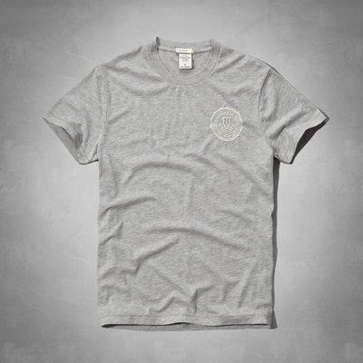 Maple麋鹿小舖 Abercrombie&Fitch *AF 灰色徽章電繡短T* ( 現貨M/L號 )