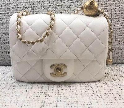 Chanel 爆款 18cm 白色金球包 超美的!