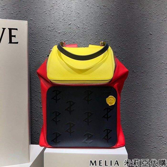 Melia 米莉亞代購 商城特價 數量有限 每日更新 19ss LOEWE 雙肩包 後背包 三色小牛皮拚色 獨特設計風格