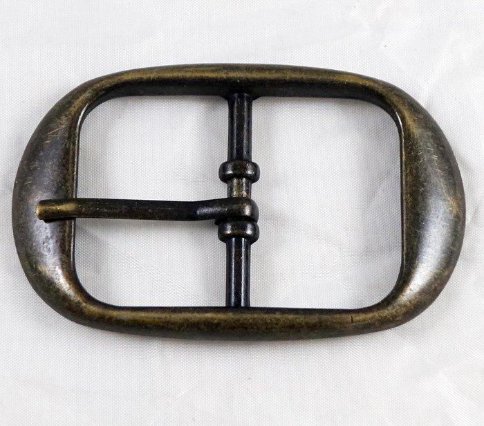 全新美國帶回 帥氣復古古銅色金屬設計皮帶扣皮帶頭,金屬部分是故意做復古設計,並不是因為舊的關係喔!免運費!
