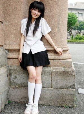 [全新代購]台北 中山女高女生夏季制服全套(限時破盤特價)白衣黑裙絕佳搭配下殺5折
