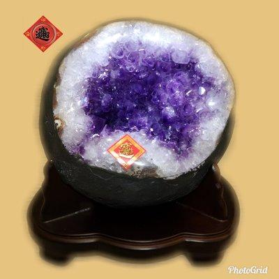 🏆【1688 精品】🏆巴西頂級紫晶洞、重3.65kg 寬18cm高19cm 洞深7cm..高紫度洞型超圓【C59】
