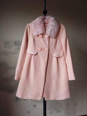東京著衣MAYUKI粉色長大衣  毛領 傘狀 雙排扣 長版大衣 洋裝大衣 西裝外套 粉紅色