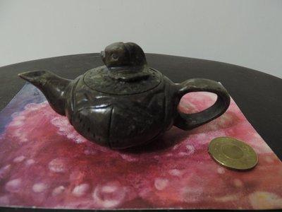 ~早期收藏~ 手工玉石雕刻 荷葉上的蝌蚪  泡茶壺 玉壺  玉畫石壺 ~童趣療癒系列~