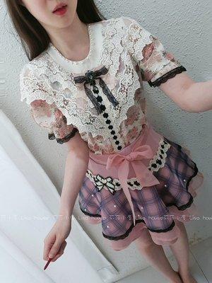 【莉莎小屋】正韓 春款新品(預購) 💝韓國連線代購-雙V蕾絲穿帶蝴蝶結花布上衣 Twinkle👚👖OS210513
