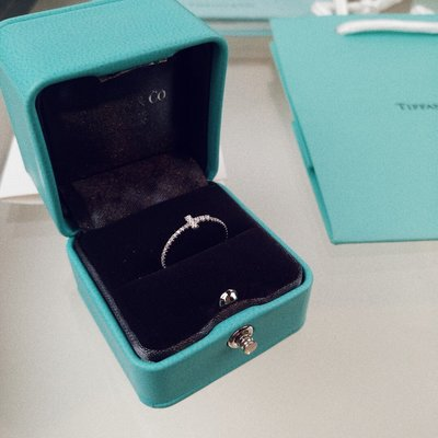 【Lydia代購】 Tiffany&CO.蒂芙尼 S925純銀戒指 水晶戒指 飾品 首飾 附盒提袋 T字線造型 百搭
