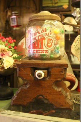 ZAKKA糖果臘腸鄉村雜貨坊    懷舊古物類.西洋古董糖果機.美國古董泡泡糖機.酒吧.派對(廣告布景背景攝影道具場景)