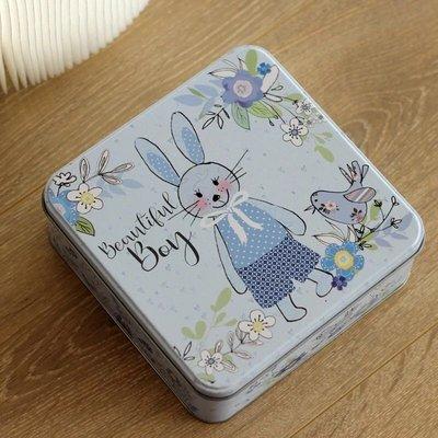 (鐵盒+紙袋)童趣藍色兔兔正方形馬口鐵盒 曲奇餅乾 男寶寶 彌月禮 烘焙包裝 文具 小物收納 ZAKKA 兔子 手作