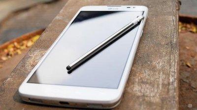 @@亞太4G門號可使用@@雙卡雙待保存佳雪白薄型美機LG D686..5.5吋螢幕..所有門號皆可用.
