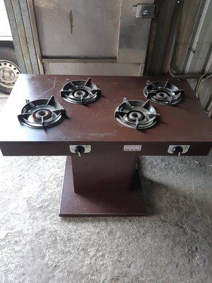 八成新火鍋桌(桶裝瓦斯)