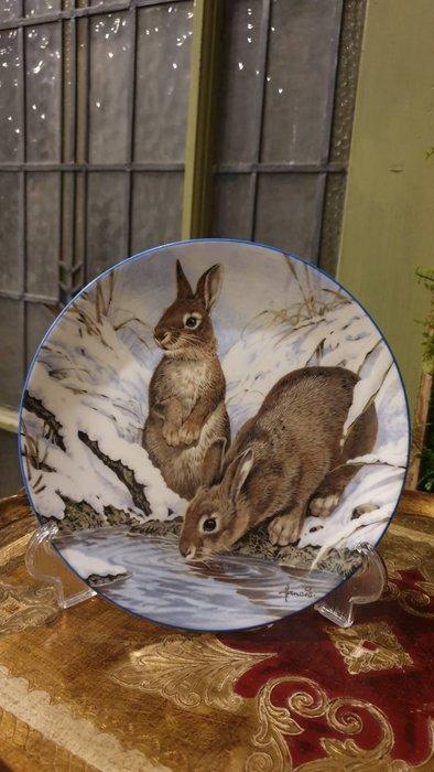 【卡卡頌  歐洲古董】WEDGWOOD 緯緻活 英國(老件未用) 藝術家 簽名 雪兔 兔子 裝飾盤  p1738 ✬