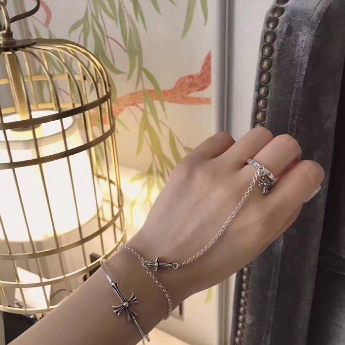《巴黎拜金女》Chrome Hearts十字架戒指手鍊