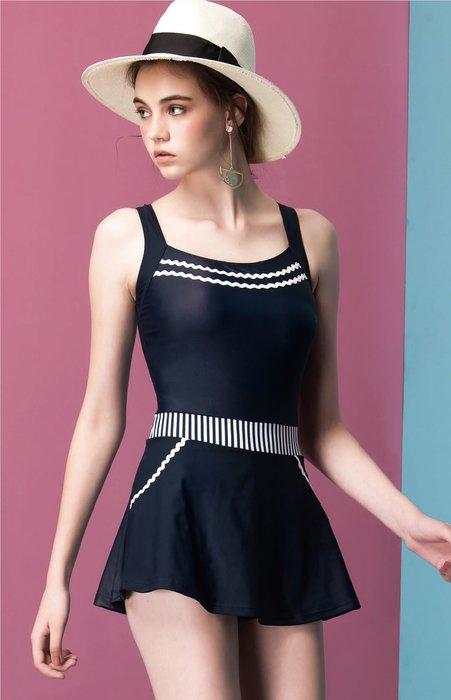 ~有氧小舖~2018蘋果牌APPLE泳裝 黑白拼接素面造型連身裙泳衣  附泳帽 特價
