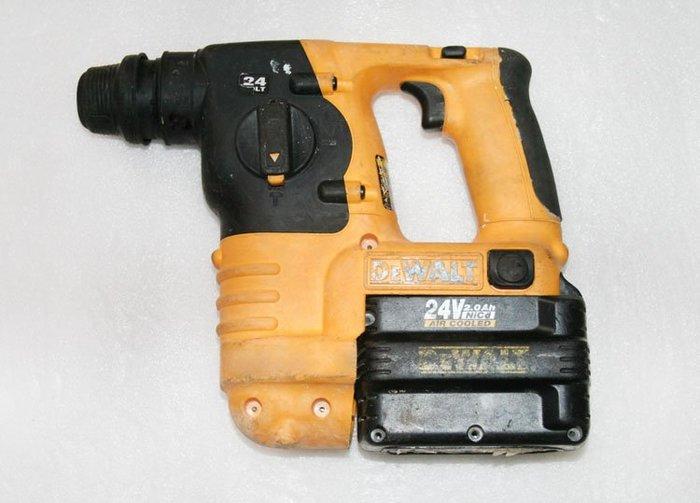 新古優品 美國 得偉 DEWALT DC222 24V 專業用衝擊 重型 電錘 電鑽