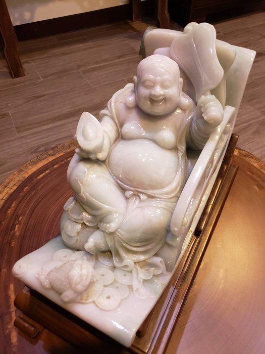 招財大玉劉海戲金蟾收藏超過30年的擺件 是上海老師傅的刻工 整塊帶皮的翡翠紫羅蘭 總重10.745KG 50萬劉海祖師