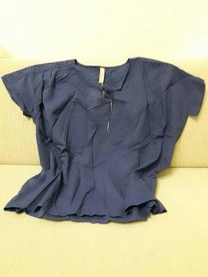 天使熊小鋪~日本帶回全新藍色腰身曲線上衣 2L版時尚穿搭必備短袖宴會服~原價1950