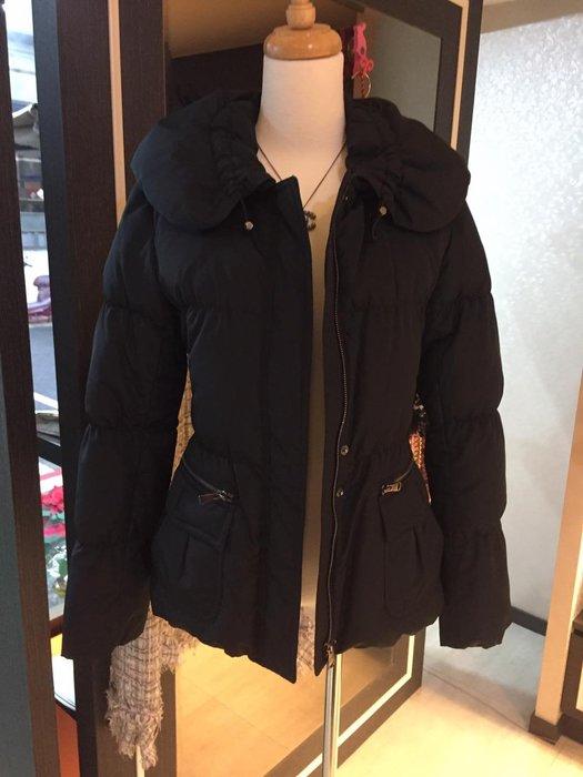 典精品名店 Burberry 近 新品 真品 羽絨外套 尺寸:38 現貨