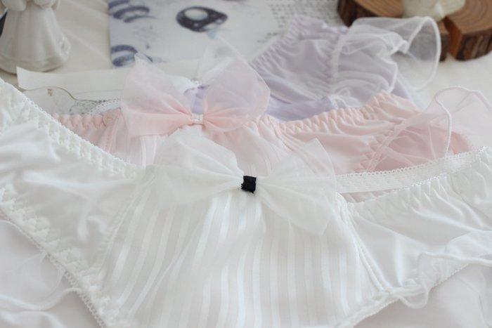 現貨~N82超細牛奶絲蕾絲甜美女士內褲  三角無痕 單入/獨立包裝版 ☆草莓花園☆