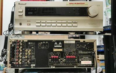 【小新的店】二手Pioneer先鋒5.1環繞收音擴大器VSX-D409-G 光纖同軸輸入220V適用 遙控請自備