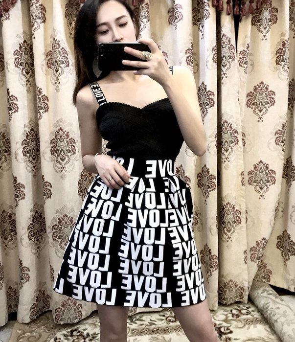 Nie Sansa 【預購】 經典時尚個性風LOVE黑 彈力繃帶平口蓬蓬短裙 連衣裙繃帶洋裝/性感小禮服