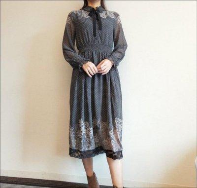 日本axes超美的~深灰排扣綁帶領結縮腰蕾絲下襬雪紡洋裝【馬克太太】