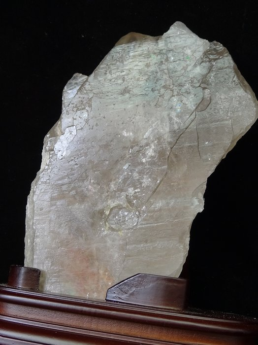 ~shalin-crystal~巴西黃水晶骨幹~1.686公斤~帶碧璽~晶質清透~質地超優~值得收藏!