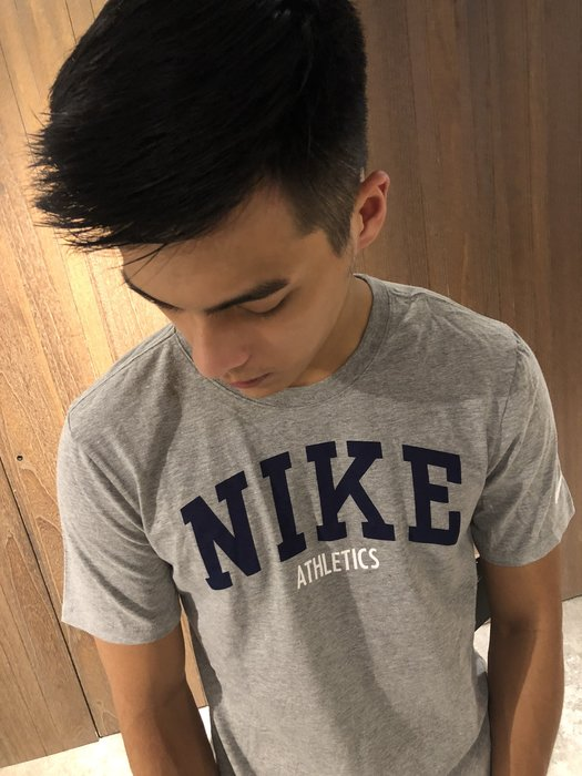 美國百分百【全新真品】Nike T恤 短袖 上衣 T-shirt 運動 logo 休閒 灰色 s號 J355