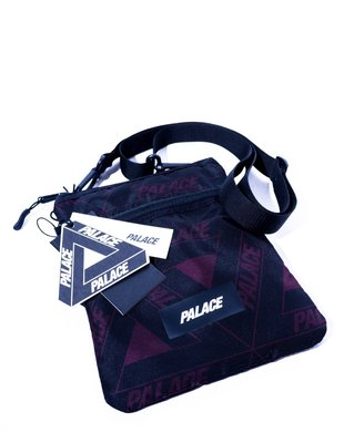 PALACE Full Logo Zip Shoulder Bag. logo 滿版 側背包 單肩包 小包