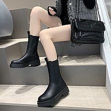 冬季保暖女靴 馬丁鞋 長靴機車靴 韓版百搭黑色馬丁靴女英倫風秋冬季百搭中筒皮靴機車短靴瘦瘦靴子