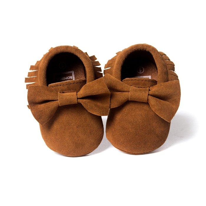 森林寶貝屋~咖啡蝴蝶結流蘇軟底鞋~學步鞋~不掉鞋~寶寶鞋~公主鞋~幼兒鞋~休閒鞋~嬰兒鞋~鬆緊帶設計~坐學步車穿~彌月禮