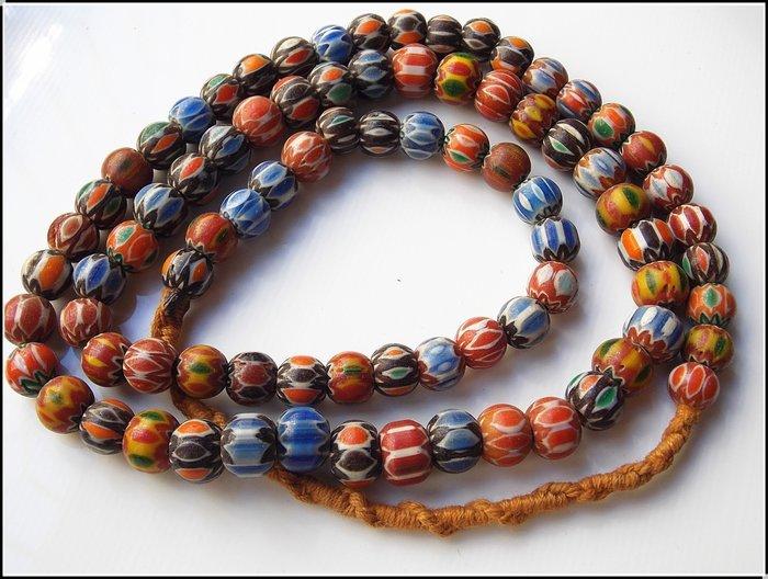 【雅之賞|藏傳|佛教文物】*特賣*尼泊爾 雪弗蘭琉璃佛珠8mm一串~201241