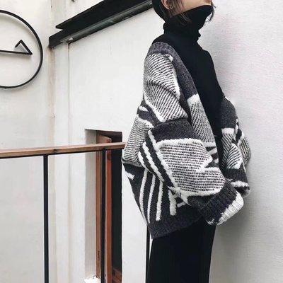 2018秋冬新款黑白拼色短款針織開衫V領 厚寬松毛衣外套女