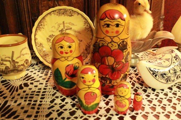 【家與收藏】特價稀有珍藏手工手繪木作古董俄羅斯娃娃擺飾/5件組2