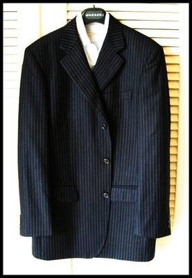 歐48 成套西裝 CERRUTI 1881夏綠蒂黑標黑細條紋單排三扣成套西裝SUPER130'