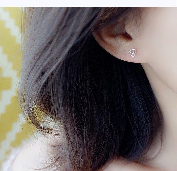 S925純銀簡約可愛旋轉三角耳釘迷你幾何耳飾基礎款女禮物(MZ707304)