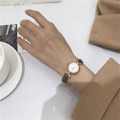 【蘑菇小隊】風手錶女閨蜜中學生韓版簡約細帶復古小錶盤可愛小清新-MG32528