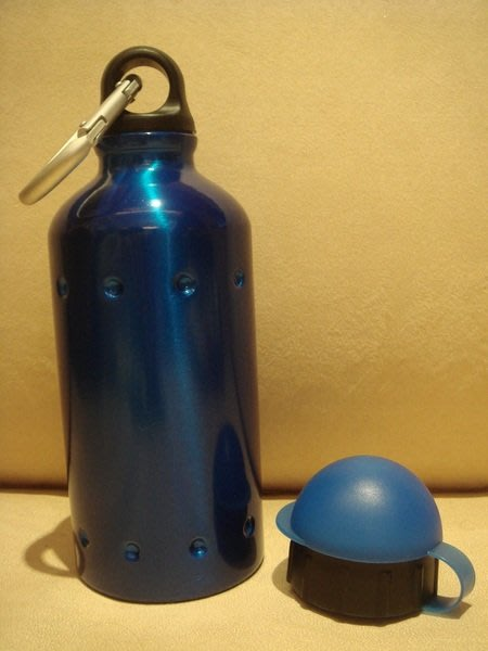 賣家珍藏,全新從未用過德國品牌 TROIKA 水壺,只有一件,低價起標無底價!免運費!