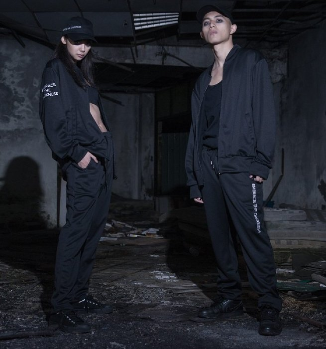 { POISON } MOONBLIND EMBRACE THE DARKNESS TRACK PANTS 抗水運動風褲
