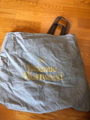 Vivienne Westwood 肩揹包