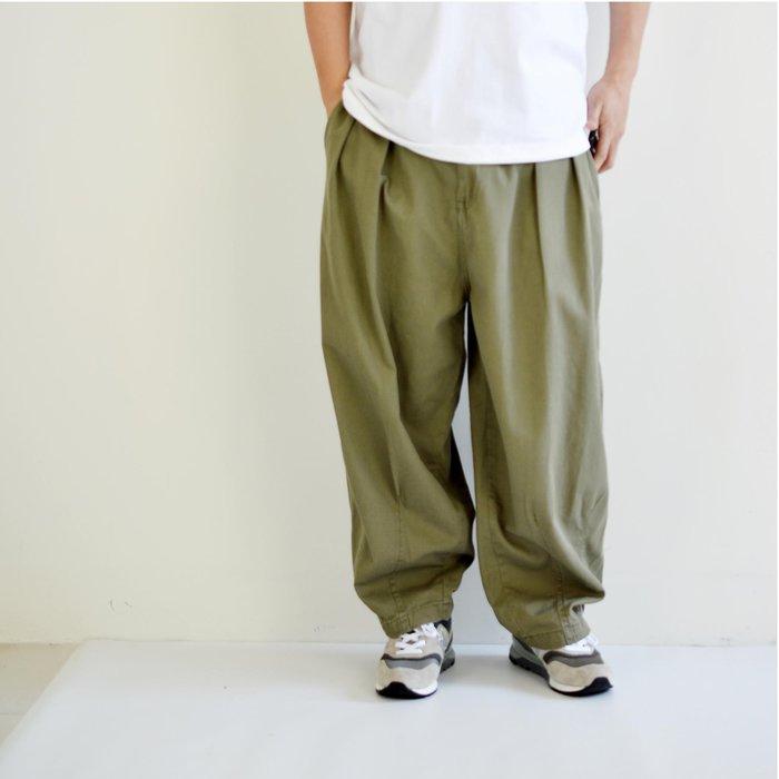X10 2020 FW  寬鬆  軍褲  繭型  寬褲 錐形褲  立體剪裁  彈性腰圍  打摺褲  抽繩  OVE