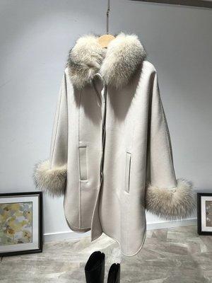 《巴黎拜金女》奢侈保暖大狐狸毛裝飾拼皮翻領羊絨大衣