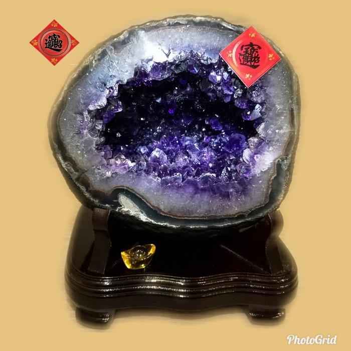 🏆【1688 精品】🏆 烏拉頂級紫晶洞重6.3kg 寬18cm高22cm 洞深8cm.高紫度洞型圓【C64】