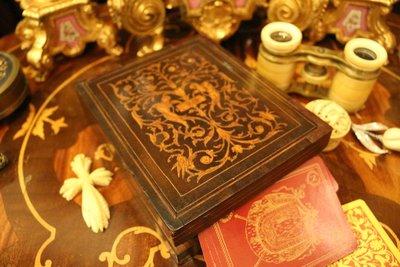 【家與收藏】特價極品珍藏歐洲百年古董維多利亞時期珍貴精緻手工木拼花鑲嵌Inlay天使木盒/牌盒