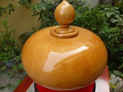 【特價】台灣製優質美檜木聚寶盆(大顆28cm)~鋼琴烤漆木紋細~香氣濃!加贈絨布旋轉盤+五帝連錢!