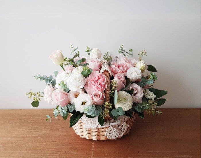 母親節花禮|萬用祝賀鮮花盆花|台北西門歡迎自取 | Flower&House花藝之家|